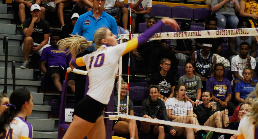 Photo for Volleyball plays four big matches this week starting with No. 22 Ottawa on Wednesday