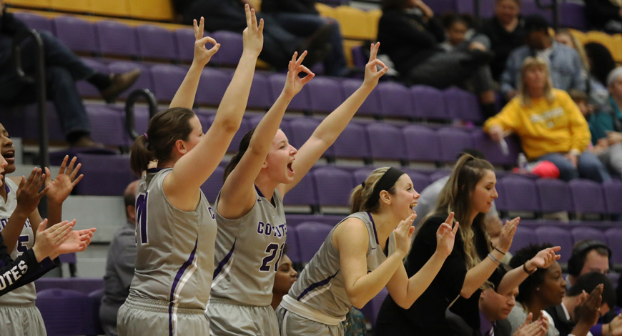 Photo for Women's Basketball pulls away late to knock off Swedes 71-62